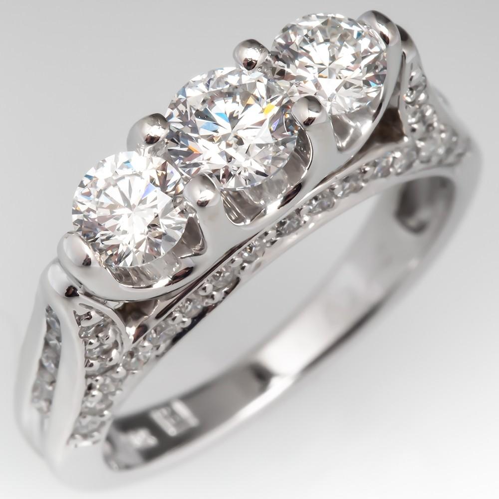 Three-stoned diamond ring