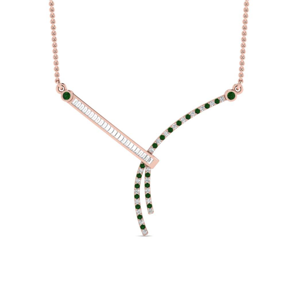 Baguette diamond pendant set in rose gold