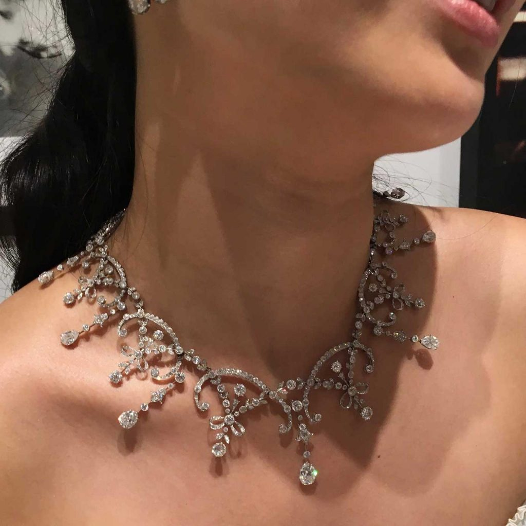 A diamond necklace should be clasped before storing