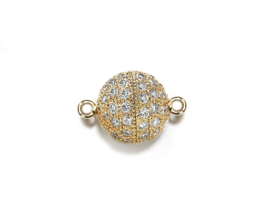 Magnetic diamond jewelry clasp