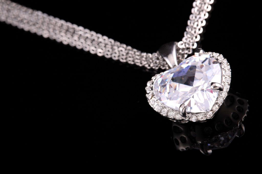 Heart-shaped Valentine diamond pendant