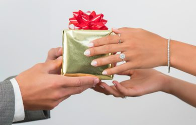 Giving a diamond gift to the one you love