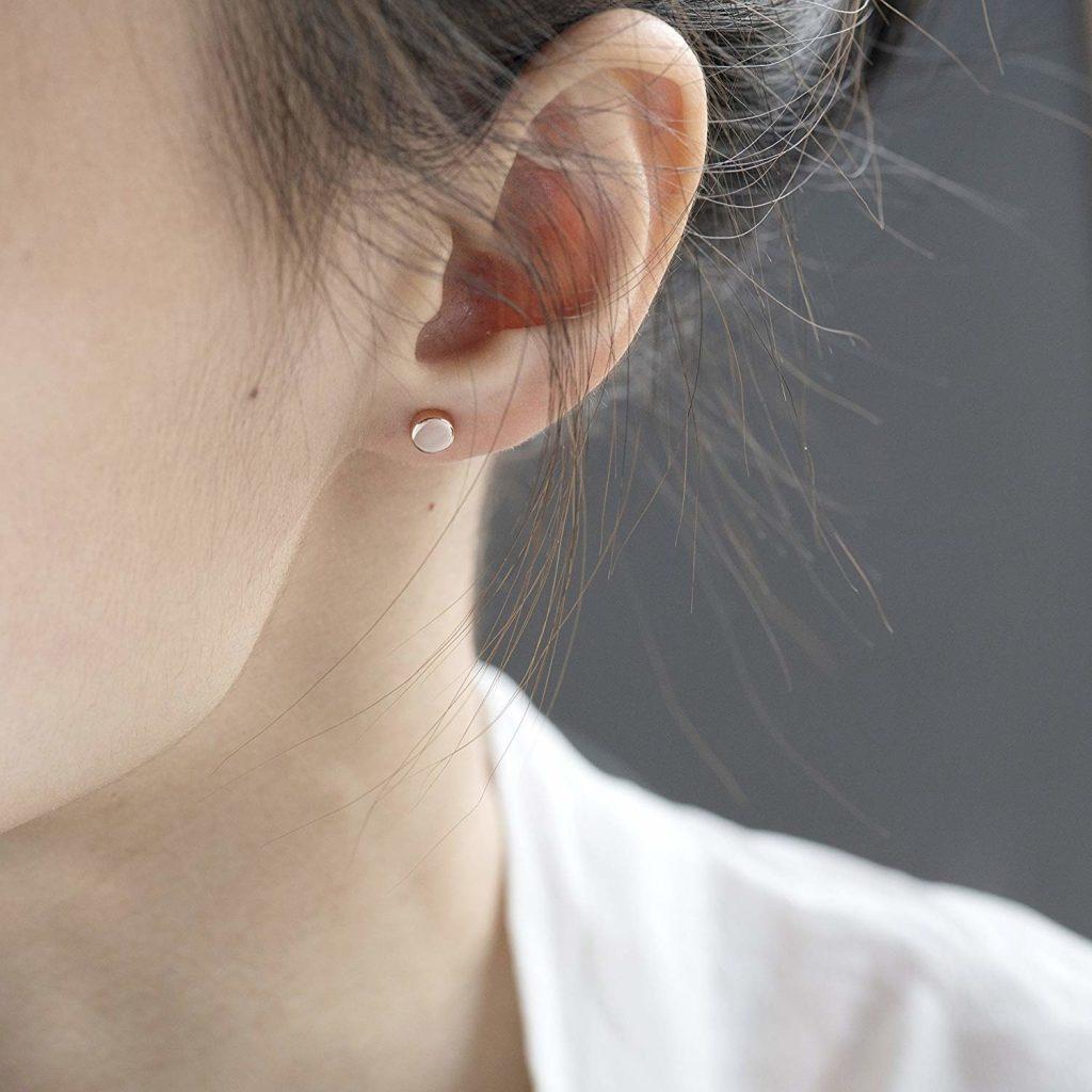 Stud earrings as first date jewelry