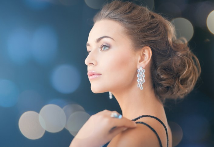 Lovely diamond earring set.