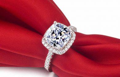 The beauty of clarity enhanced diamonds is mesmerizing.