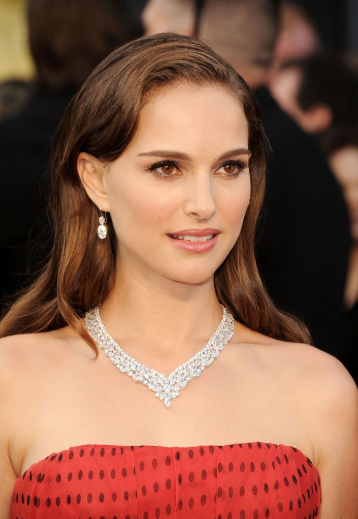 Superstar Natalie Portman wearing an ultra-high-end laser drilled treated stone necklace.