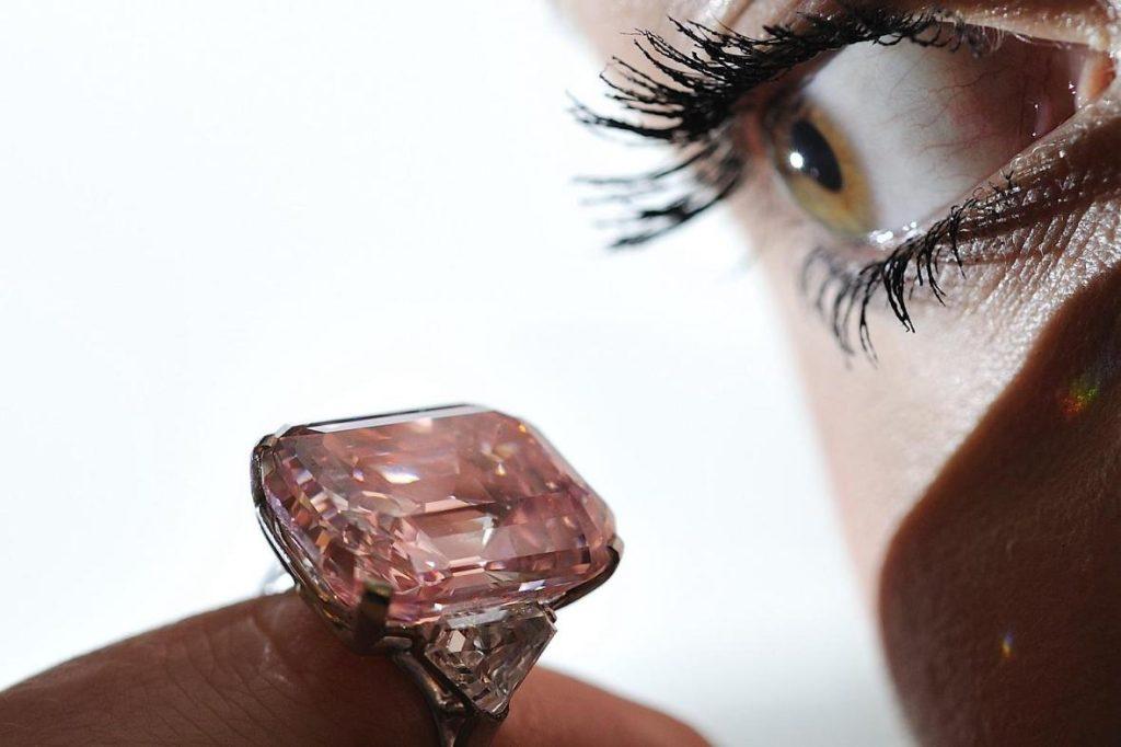 Stunning pink diamond engagement ring