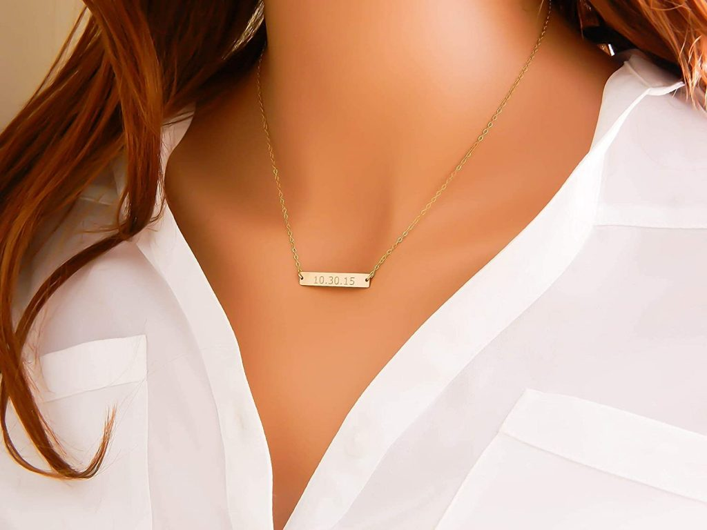 Simple first date jewelry