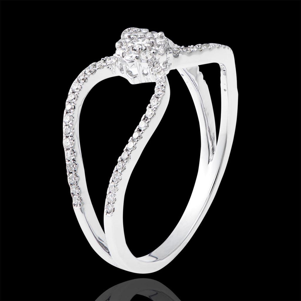 Unique heart ring
